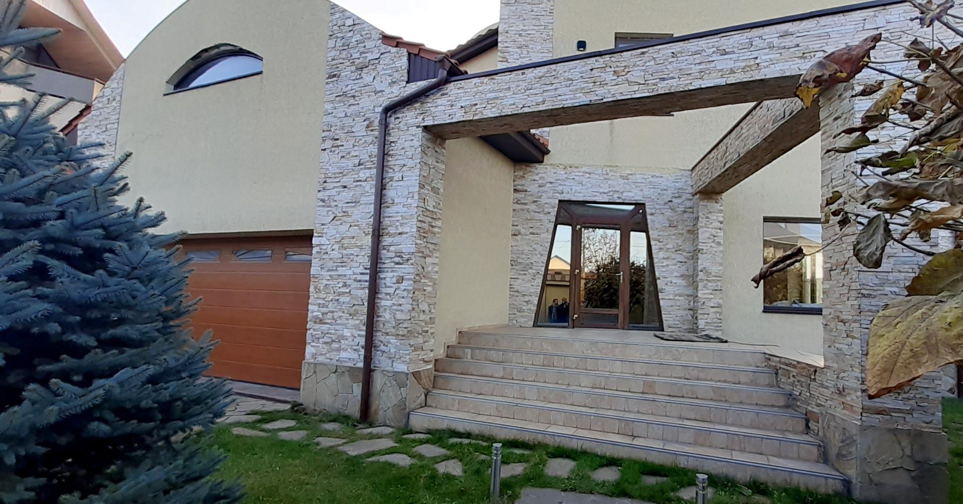 продажа дома номер H-158128 в Лесках, фото номер 1